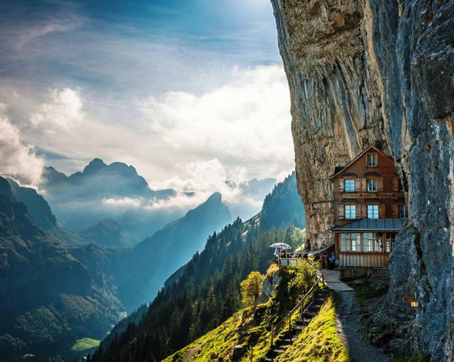 nadherne hotely 1