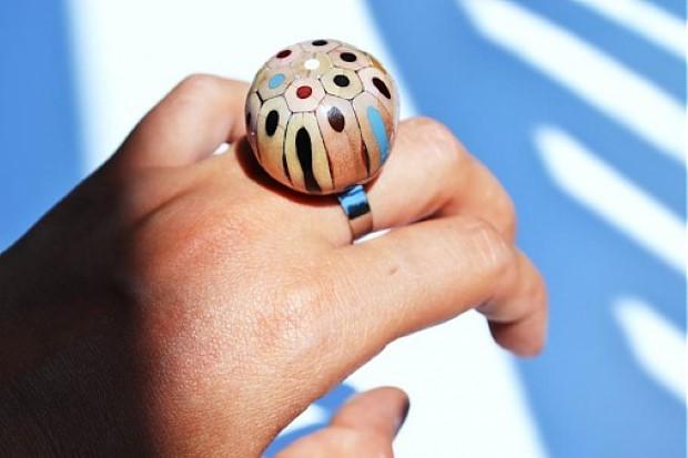 prsten z farbiciek 2
