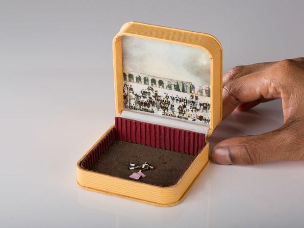 Umelec Talwst mení staré škatuľky od prsteňov na diorámy 14