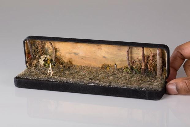 Umelec Talwst mení staré škatuľky od prsteňov na diorámy 15