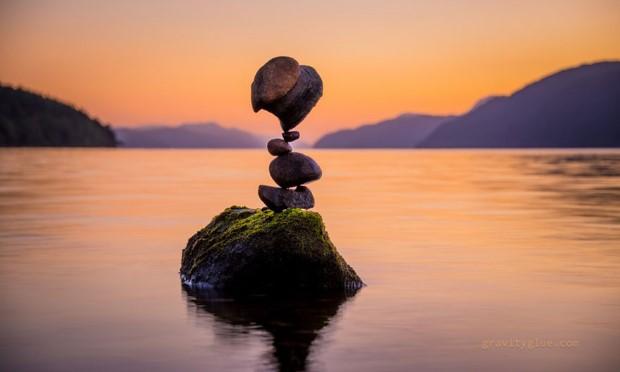 gravitacne balansovanie kamenov 10