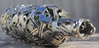 Recyklované umenie zo starých kľúčov a mincí