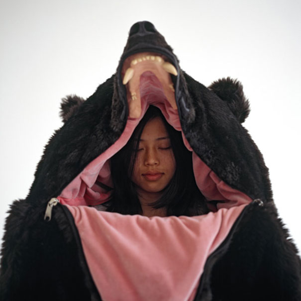 Spací vak, ktorý vyzerá ako skučný medveď | Eiko Ishizawa 1