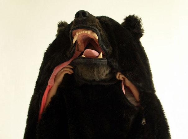 Eiko Ishizawa spaci vak v podobe medveda 3