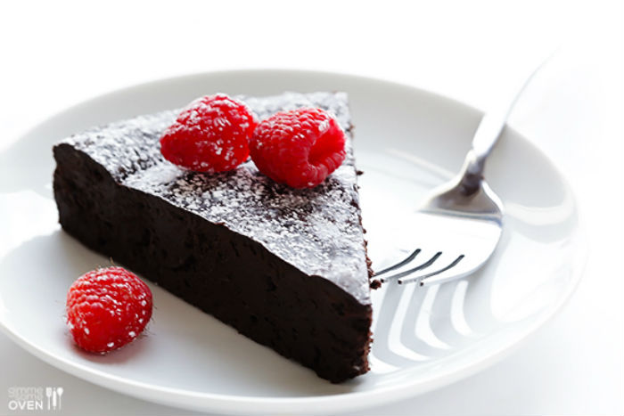 maliny cokolada cukor vajcia maslo kolac torta tri ingrediencie (2)