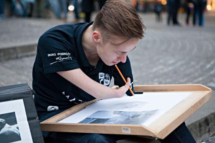 Mariusz Kedzierski umelec bez ruk 1
