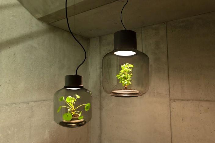 Studio We Love Eames kvetinac a lampa 1