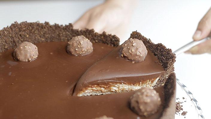 Ferrero Rocher Cheesecake | Recept na chutný nepečený zákusok