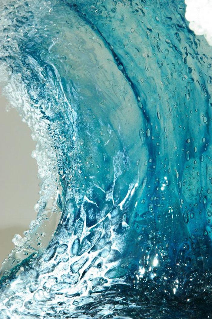 marsha-blaker-paul-desomma-umenie-zo-skla-imituje-rozbureny-ocean-7