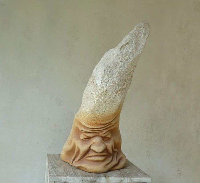 spanielsky-sochar-objavil-sposob-ako-hniest-zmykat-a-skrucat-kamene-16