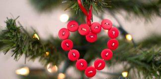 Srdiečková ozdoba z gombíkov dokazuje, že v jednoduchosti je krása