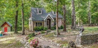 Rozprávková chata uhniezdená pri lese v Tennessee | Inšpirácie zo sveta bývania
