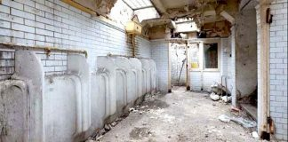 Byt z verejných toaliet | Renovácia starých toaliet na príjemný apartmán 55 m²