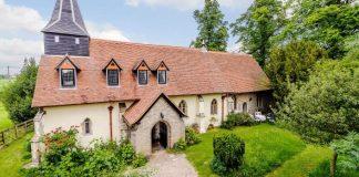 Starý 600-ročný kostol premenili na útulný domov | Pattiswick, Essex