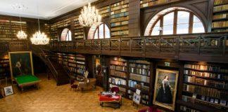Najkrajšia knižnica na Slovensku   Aponiovská knižnica v Oponiciach