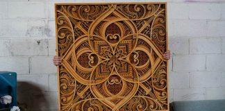 Z drevených preglejok laserom vyrezáva obrazy | Gabriel Schama