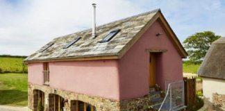 Anglický vidiecký dom vo francúzskom štýle, ktorého interiér prekvapí!