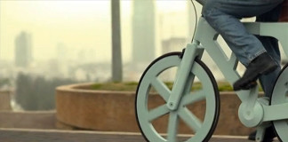 Kartónový bicykel