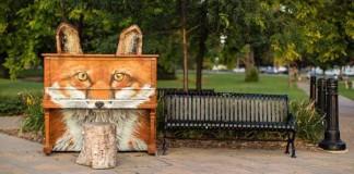 Skrášlené pouličné pianá ponúkajú nielen hudobný, ale aj vizuálny zážitok