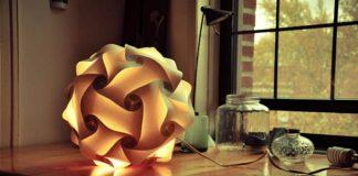 Svietidlo z papierových skladačiek si vyrobíte aj sami | DIY nápad a návod