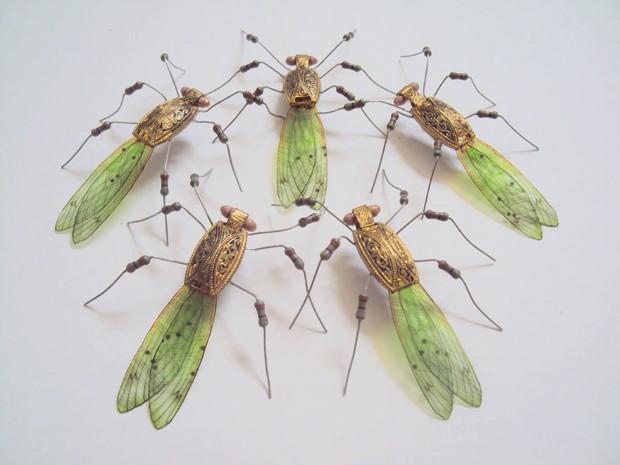 Julie Alice Chappell okridleny hmyz zo suciastok 13