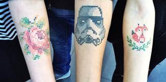 Vyšívané tetovania krížikovým stehom