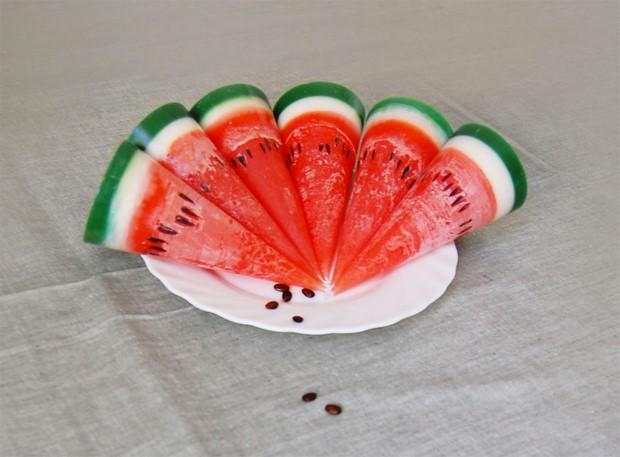 Handmade sviečky v tvare ovocia spod rúk šikovnej Litovčanky 2