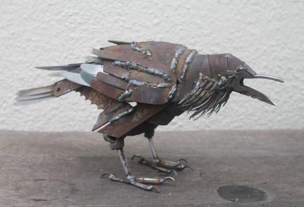 JK Brown meni zelezny odpad na umenie v podobe zvierat 12