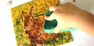 Obraz zo škrupiniek z vajíčok s využitím servítkovej techniky