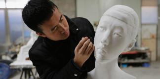 sochy z papiera Li Hongbo