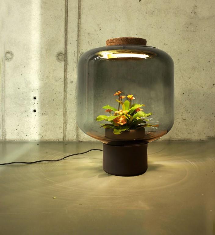 Studio We Love Eames kvetinac a lampa 3