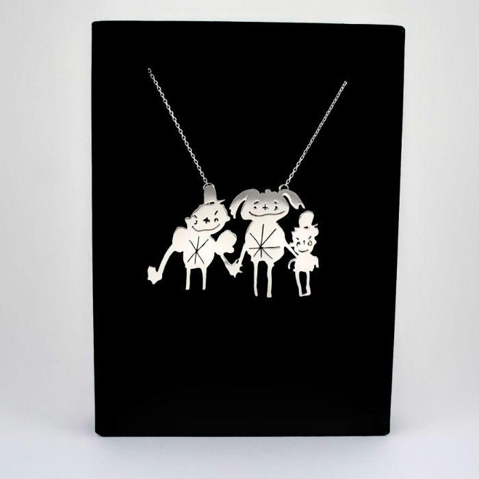 dve mamicky premienaju detske kresby na uzasne jedinecne sperky