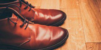 Ako vyleštiť topánky bez krému na topánky | 5 skvelých alternatív