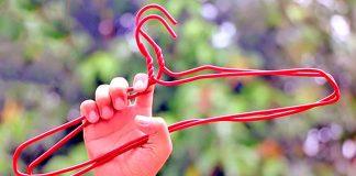 Ako využiť drôtený vešiak v domácnosti inak | Nápady a návody