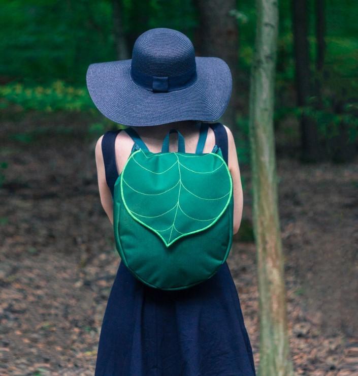 Gabriella Moldovanyi Leafling batohy s prirodnym motivom 1