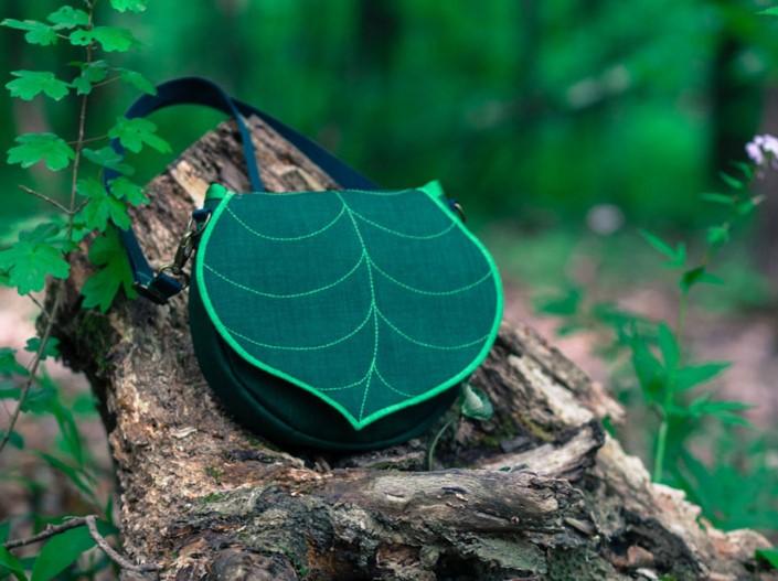 Gabriella Moldovanyi Leafling batohy s prirodnym motivom 4