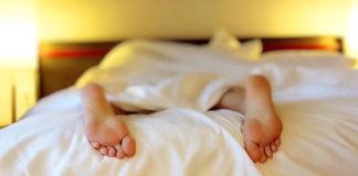Návod ako zaspať behom chvíľky | Dychové cvičenie 4-7-8 Dr. Weila