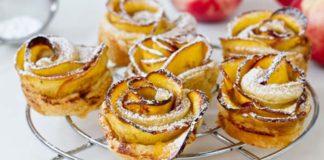 Recept na nektarinkové koláčiky v tvare ruží. Krásne a chutné zároveň!