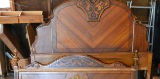 Shabby chic lavička vyrobená z častí starej vintage postele