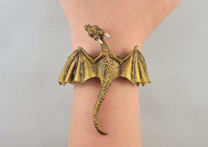 umelkyna vyraba sperky s motivom drakov fantasticky svet oziva (5)