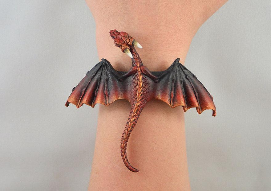 umelkyna vyraba sperky s motivom drakov fantasticky svet oziva (6)