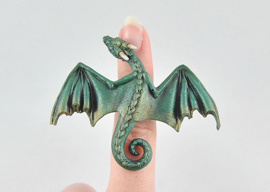 umelkyna vyraba sperky s motivom drakov fantasticky svet oziva (7)