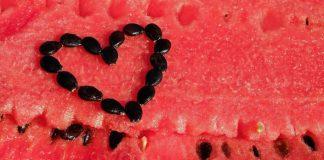 20 dôvodov, prečo by ste melónové jadierka nemali nikdy vyhadzovať