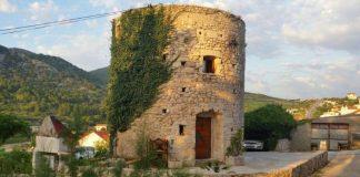 Starý 255 ročný mlyn dýchajúci históriou prerobili na útulné bývanie