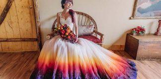 Farebné svadobné šaty pre smelé nevesty vyzerajú ako ponorené do farby