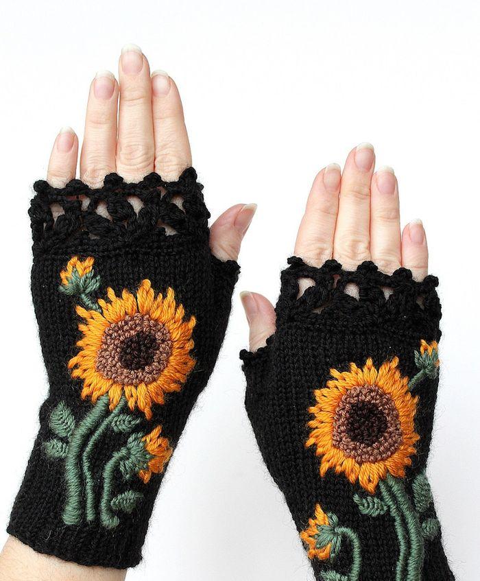 pletie-a-hackuje-rukavice-bez-prstov-prakticke-a-krasne-vysivane-5