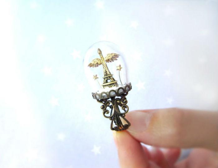 prstene-a-privesky-ktore-pod-sklenenou-kupolou-skryvaju-male-svety-10