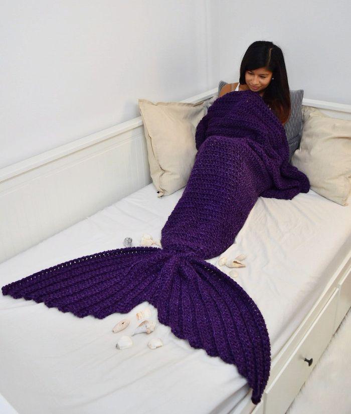 morska-panna-deka-v-tvare-rybieho-chvosta-the-burrow-3
