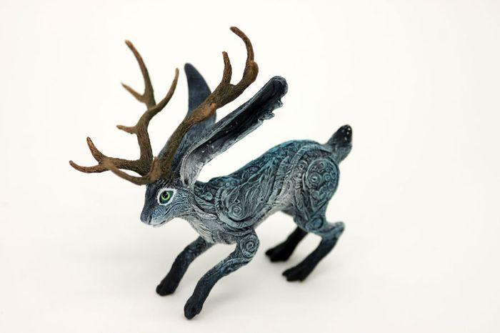 rusky-umelec-vyraba-jedinecne-sochy-z-polymerovej-hmoty-zvierata-z-magickeho-sveta-14