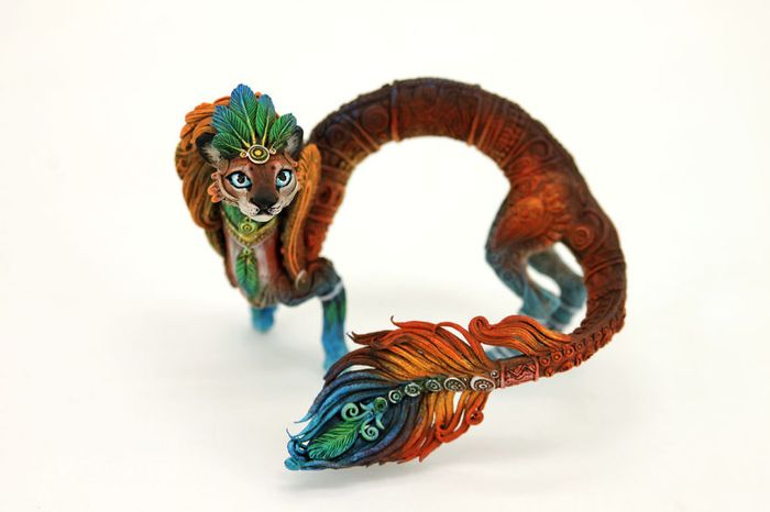 rusky-umelec-vyraba-jedinecne-sochy-z-polymerovej-hmoty-zvierata-z-magickeho-sveta-15